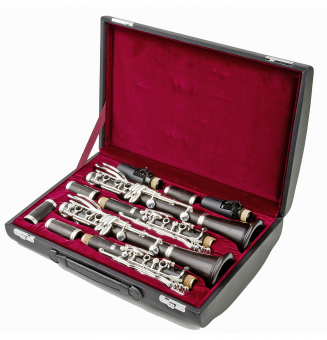 Displayed is a Set of Uebel Superiors. This listing is only for the A clarinet pictured.